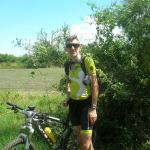 Marc fietst voor Vredeseilanden