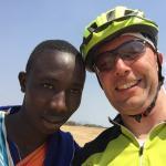 Werner fietst voor de boeren in Sulawesi