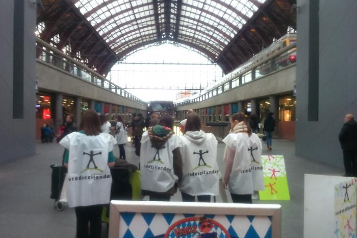 Sint-Lievenscollege bezet Antwerpen voor Vredeseilanden-Rikolto